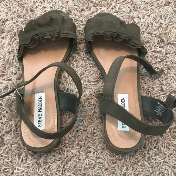 8f000868a69 Olive green Steve Madden sandals
